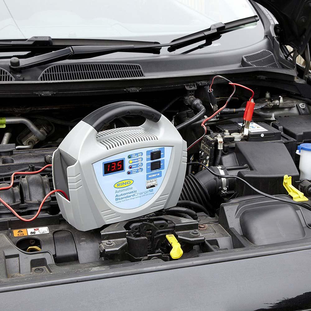 Зарядное устройство RING RECB212 Выходное напряжение 12